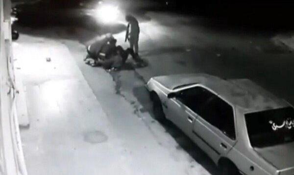 فیلم حمله مردان به زن دزفولی در کوچه تاریک