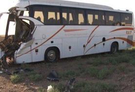 تصادف شدید مینیبوس و کامیون/ ۲۸ نفر مصدوم و ۲ نفر کشته شدند