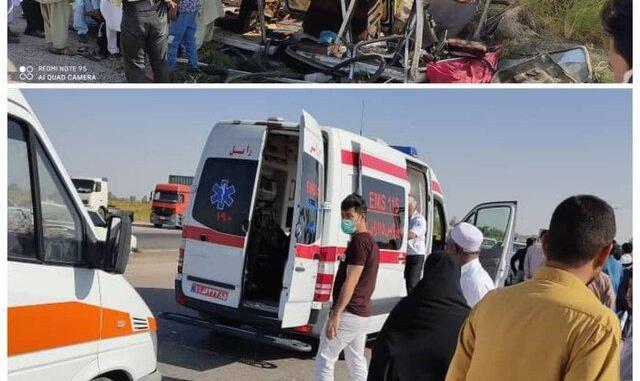 ۲ کشته و ۲۸ زخمی در تصادف بین تریلی و اتوبوس در زاهدان