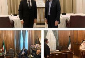 امضای دفتر یادبود امیر فقید کویت توسط سفیر کشورمان در فرانسه