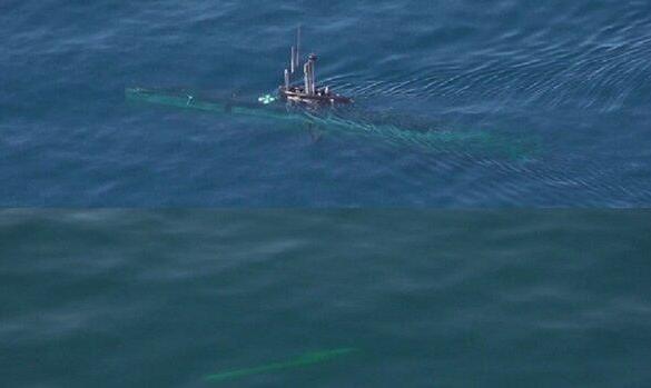 شلیک اژدر از زیردریایی بومی فاتح در رزمایش اقتدار دریایی ۹۹ نداجا