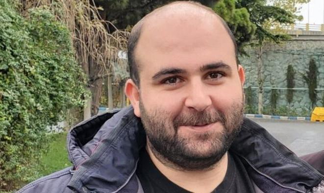 روزنامۀ نگار جوان ایرانی که به ترکیه پناه برده از زندان شهر وان رسماً از ترکیه تقاضای پناهندگی کرد