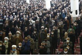 جنجال نماز جمعه قم/شورای ائمه جمعه: از امام جمعه، ستاد نماز جمعه و مردم قم دلجویی شود