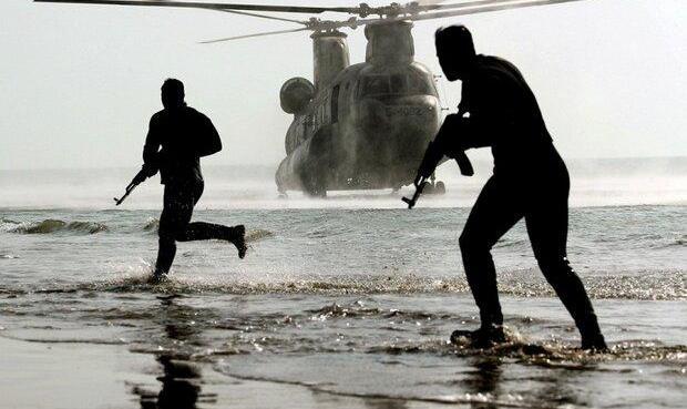 اجرای عملیات ترکیبی تیپ ۶۵ نیروی مخصوص «آجا» در سواحل مکران