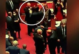 (عکس) کمک داور ویدیویی در مجلس!