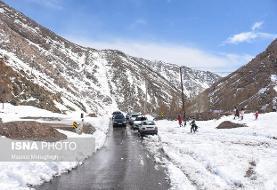 کولاک برف در جاده های کوهستانی برخی مناطق/احتمال وقوع بهمن در دامنه های ...