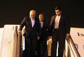 وزیر امور خارجه وارد باکو شد / ظریف: آغوش ما براى گفت و گو با همسایگان خلیج فارس باز خواهد بود