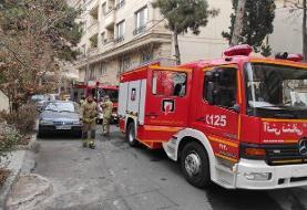 آتش سوزی در ساختمان ۴ طبقه در خیابان فرشته