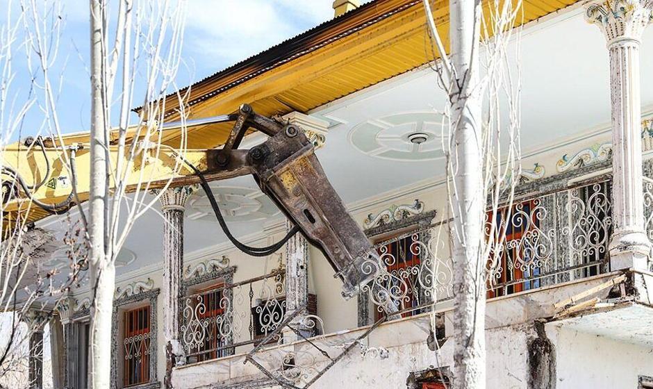 تخریب ۲ ویلای غیرمجاز مقامات در فیروزکوه تهران