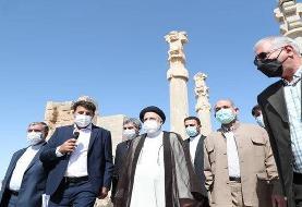 بناهایی نظیر تخت جمشید نشانه هنر والای ایرانیان است