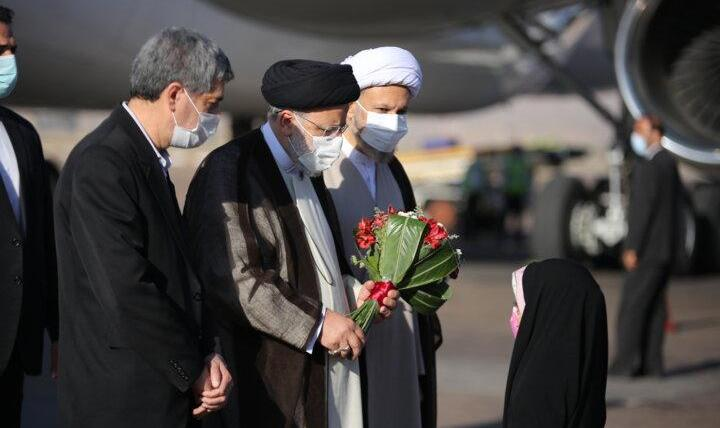 رئیسی در هفتمین سفر استانی خود به فارس رفت