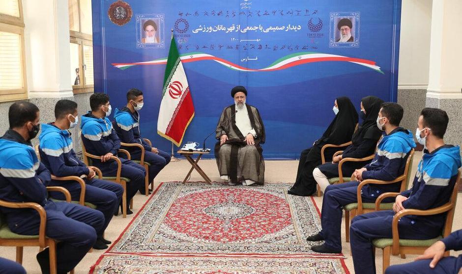 حضور محمدرضا گرایی در دیدار ورزشکاران فارس با رئیس جمهور+ عکس