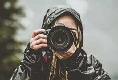 توضیحات درباره خودکشی دختر عکاس پس از شکایت از متجاوز به دلیل رفتار قاضی