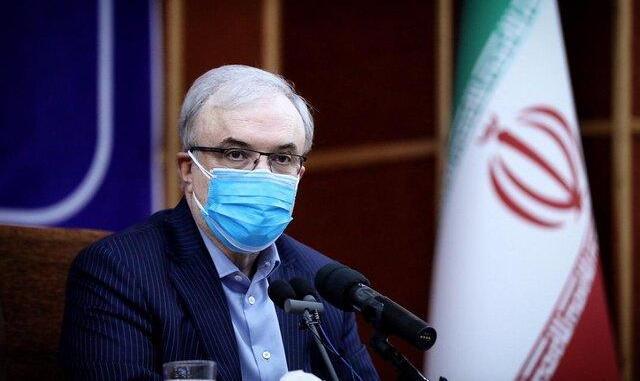 وزیر بهداشت خیز اخیر کرونا را گردن مرغ انداخت!