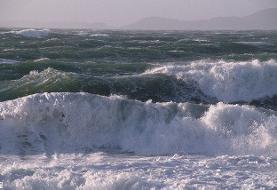 افزایش تلاطم و ارتفاع امواج در سواحل شمالی بین ۲ تا ۳ متر