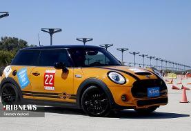 (تصاویر) مسابقات اتومبیلرانی با خودروهای میلیاردی در کیش
