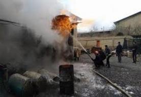مصدومیت ۹ کارگر در آتشسوزی شرکت آرایشی و بهداشتی