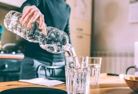 ۶ خاصیت شگفتانگیز نوشیدن آب گرم