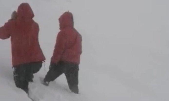 نجات پنج کوهنورد گرفتار در ارتفاعات توچال + فیلم