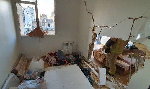 انفجار شدید در یک ساختمان اداری در خیابان سپهبد قرنی در خیابان سپهبد قرنی، بالاتر از خیابان طالقانی / تصاویر