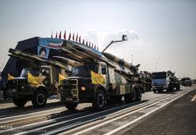 رژه پهپادها، موشکها و تجهیزات ارتش با شعار «ارتش فدای ملت»