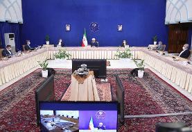 روحانی: خود را سوپرانقلابی می دانند اما به دولت فحش میدهند