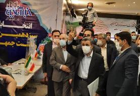 احمدی نژاد:  من جوانم /اجازه دهید ببینیم مدارکم را به رسمیت می شناسند یا نه!