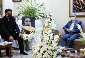 وزیر ارشاد با خانواده زندهیاد عبدالوهاب شهیدی دیدار کرد