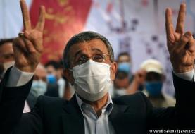 مصطفی تاجزاده ثبت نام کرد: در انتخابات فرمایشی رای دادن توجیه ندارد