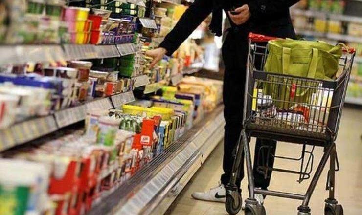 سونامی افزایش قیمت کالاهای اساسی؛ کسی پاسخگوی گرانیها نیست