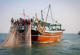 توقیف ۱۸ کشتی هنگام صید ترال در آبهای خوزستان
