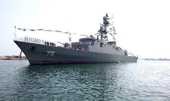 ناوشکن «دنا» و مینشکار «شاهین» به نیروی دریایی ارتش ملحق شد