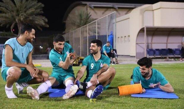 تمرین شاد تیم ملی ایران در دمای ۳۲ درجه ای منامه