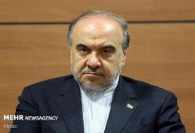 وزیر ورزش در حسینیه جماران رأی خود را به صندوق انداخت
