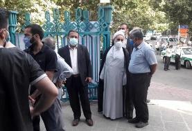 ناطق نوری رای خود را در حسینیه ارشادبه صندوق انداخت