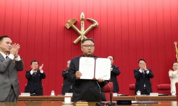 رهبر کره شمالی میگوید کشورش باید برای مذاکره و یا رویارویی با آمریکا ...