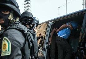 پس گردنی پلیس تهران به اراذل نوپای محله اتابک که ۸ خودرو را تخریب کردند