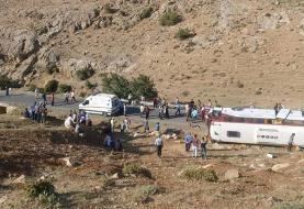اولین تصاویر و فیلم از حادثه واژگونی اتوبوس خبرنگاران در نقده