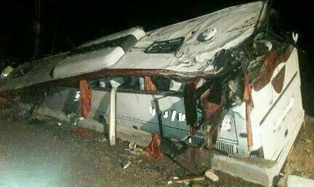 چپ کردن اتوبوس در جاده هراز با ۳ فوتی و ۳۹ زخمی