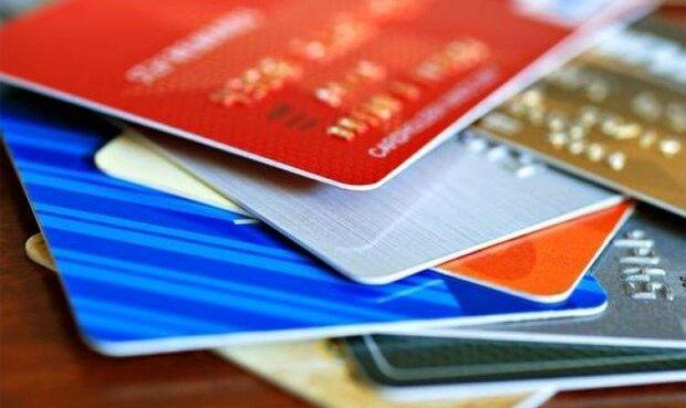بانک مرکزی: به ازای هر نفر ۳.۳ کارت بانکی وجود دارد / محدودیت ۱۰۰ ...