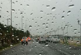 بارش باران های رگباری و رعد و برق در استان های جنوبی کشور
