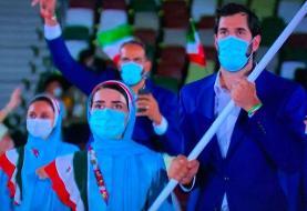 رژه کاروان ایران در افتتاحیه المپیک توکیو با لباس رسمی