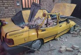 تندباد در شیراز باعث ریزش دیوار و سقوط درختان شد