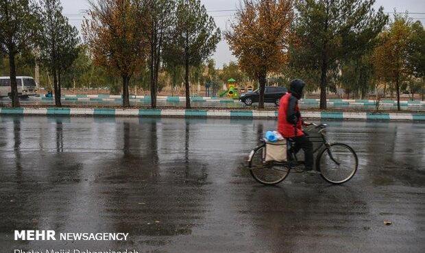 بارش پراکنده باران از هفته آینده/ خلیج فارس مواج است