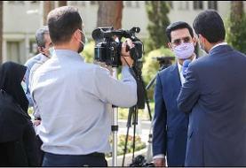 آذری جهرمی: پاسخ به سوال درباره آینده فعالیت اینترنت ماهوارهای در ایران ساده نیست