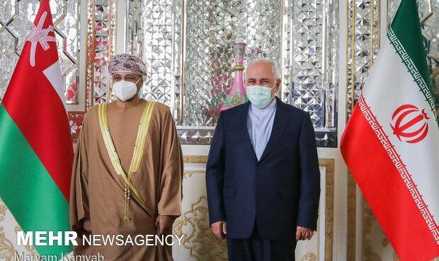 وزیر امور خارجه عمان در تهران با ظریف دیدار و گفتگو کرد