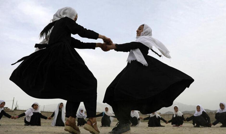 طالبان: دانشآموزان دختر در افغانستان به زودی به مدارس بازمیگردند