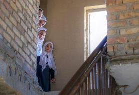 مدرسهها باز شد؛ واکنشهای گسترده به محرومیت دانش آموزان دختر توسط طالبان