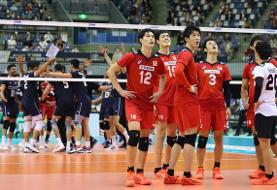 تشویق بازیکنان ژاپن با وجود شکست مقابل بلندقامتان والیبال ایران