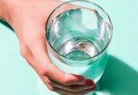 ۱۱ بلایی که نخوردن آب کافی بر سرتان می&#۸۲۰۴;آورد